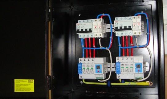 雷电计数器,保险,开关,led指示灯等,做工优良,受到客户的高度赞扬!