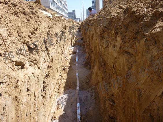 防静电接地网设计有两个基本目的:1,防静电接地网能消除各电路